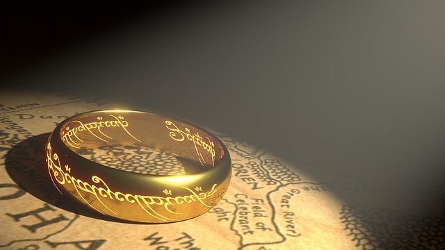 ring-1692713_640.jpg